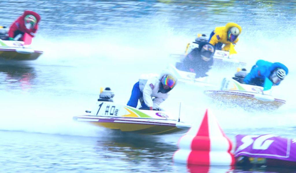 競艇ボートレース競艇場競艇選手稼ぐ夏暑い必需品-