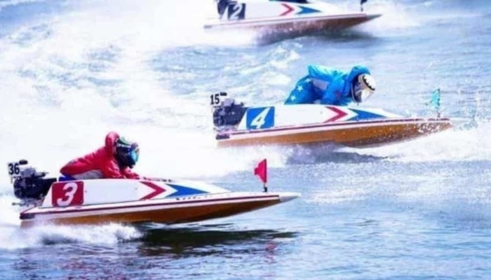 競艇ボートレース競艇場競艇選手稼ぐ初心者凍る冬温水パイプ-